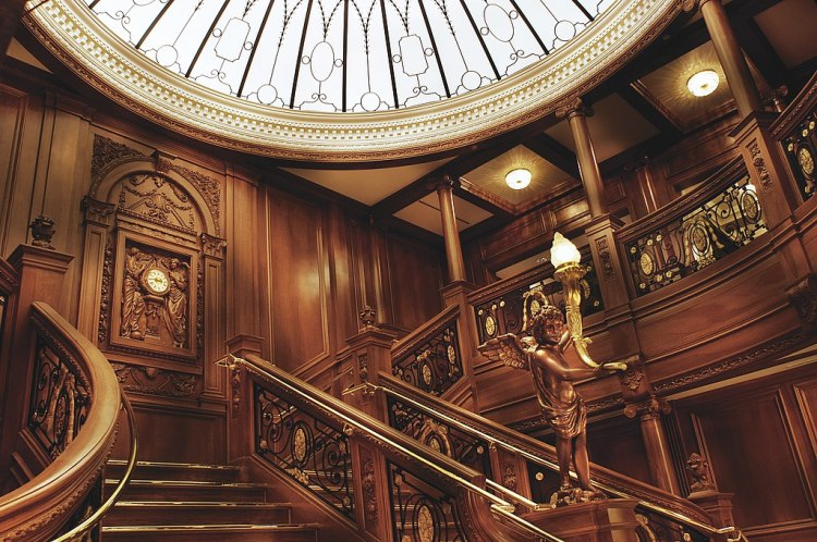1024px-05_staircase1