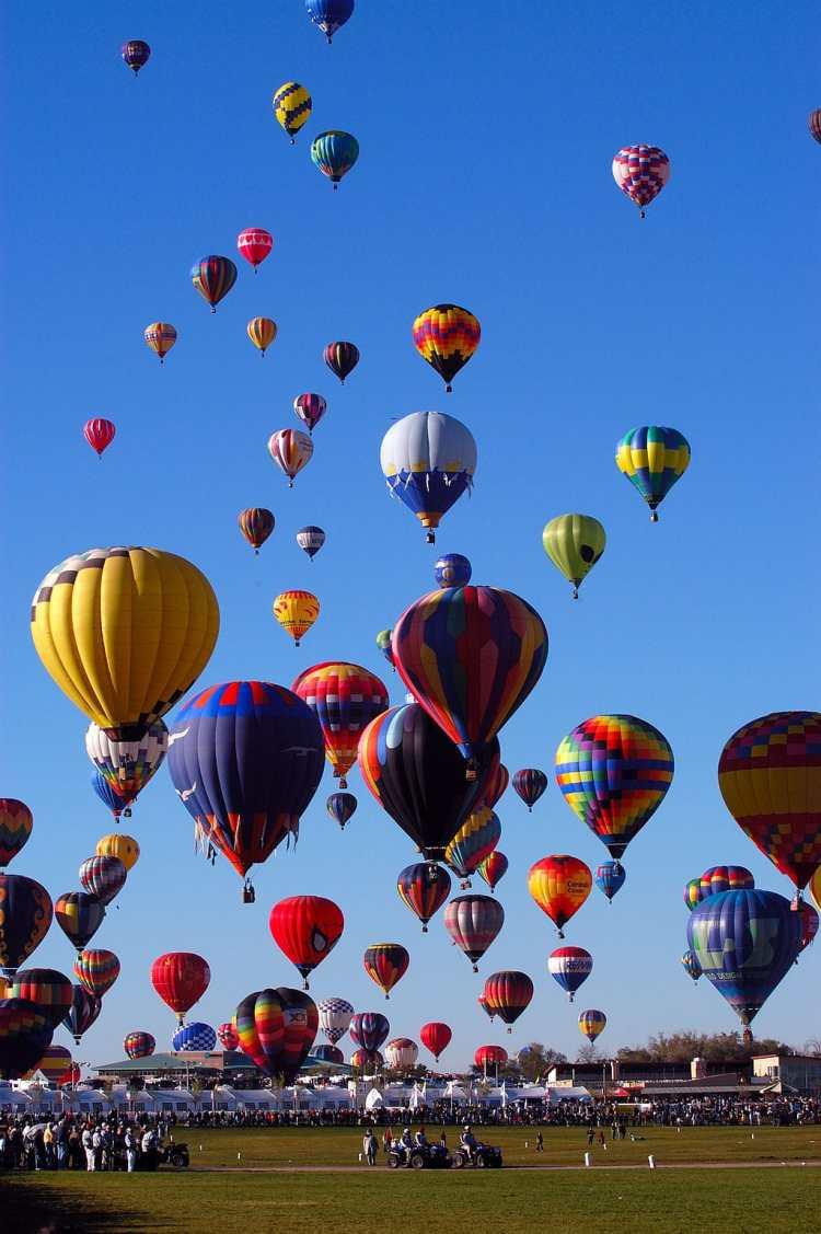 1024px-Albuquerque_BalloonFiesta.jpg