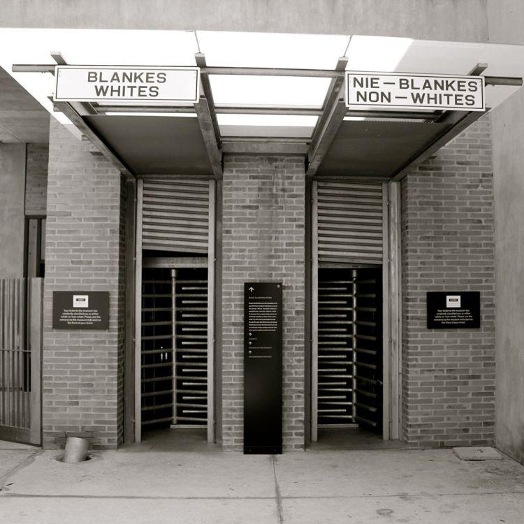 1024px-Apartheid_Museum_Entrance,_Johannesburg