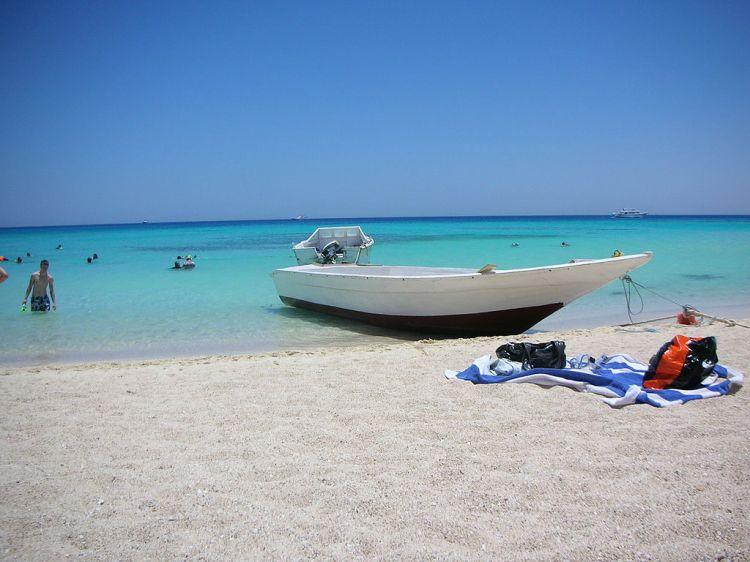 1024px-Beach_of_giftun_island