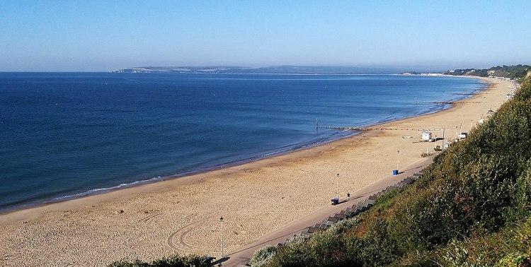 1024px-Bournemouth_Beach_2018