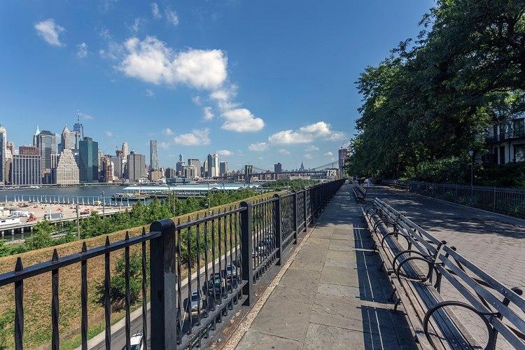 1024px-Brooklyn_Heights_Promenade_NY1