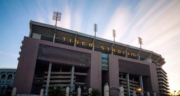 1024px-LSU_Tiger_Stadium