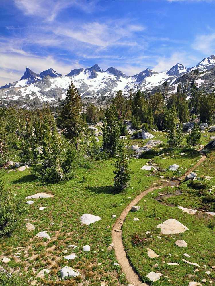1024px-Ritter_Range_Pacific_Crest_Trail.jpg