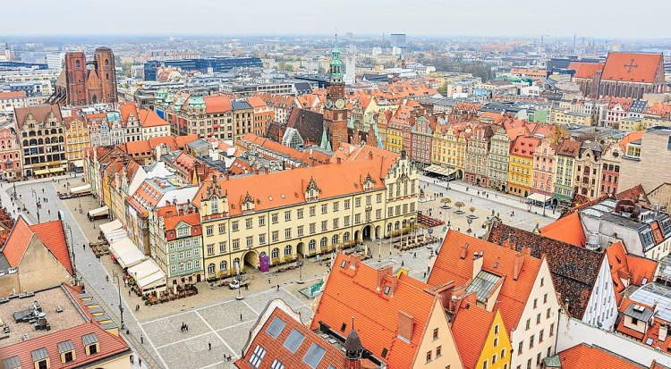 1024px-Rynek_Starego_Miasta_We_Wroclawiu_(152991773)