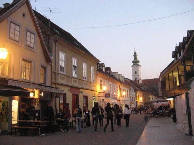 1024px-Tkalciceva,_Zagreb