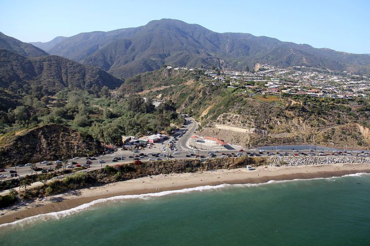 1024px-Topanga_Canyon_Road_and_Pacific_Coast_Highway