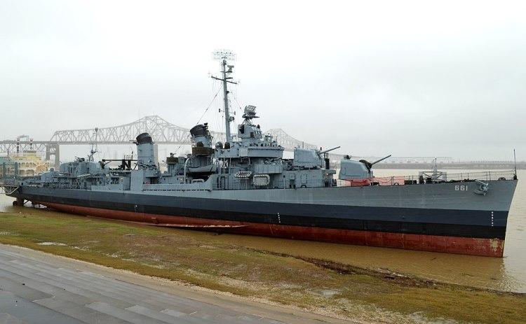 1024px-USS_Kidd_(DD-661),_January_2013
