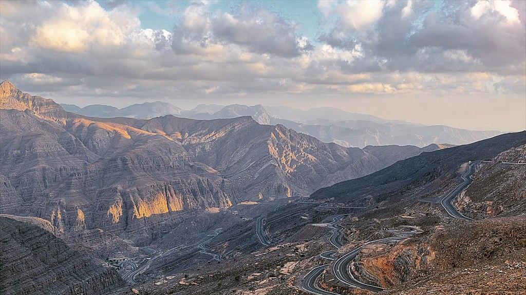 1024px-View_from_Jebel_Jais_-_panoramio