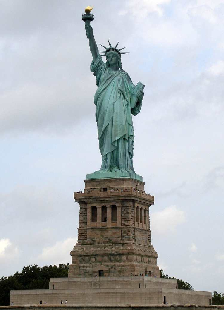 1200px-Statue_of_Liberty_7.jpg