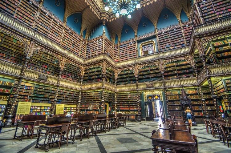 1599px-リオの幻想図書館_Real_Gabinete_Portugues_de_Leitura_(8735773218)