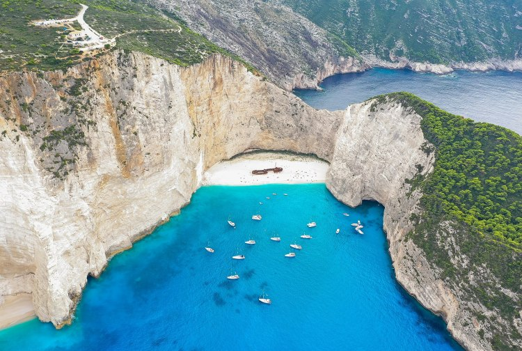 1599px-Shipwreck_at_Navagio_Beach_Zakynthos_Greece_(45557496695)