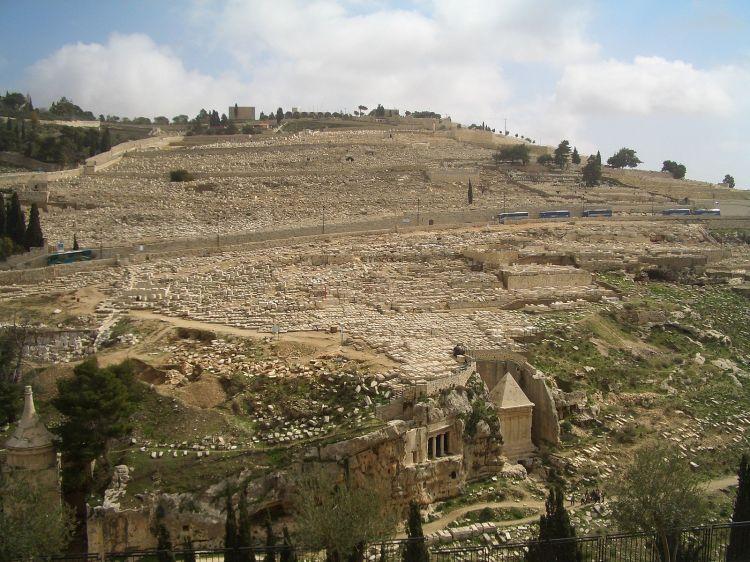 1600px-JERUSALEM_Mount_of_Olives_Cemetery