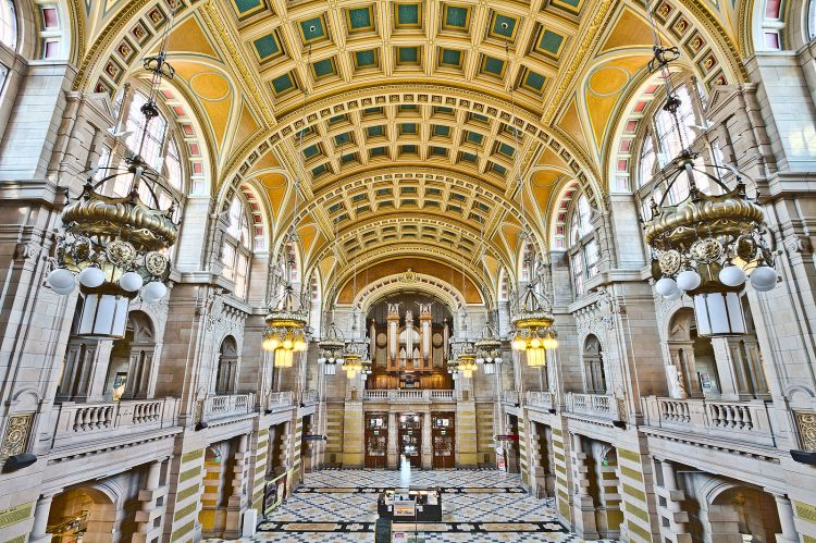 1600px-Kelvingrove_Art_Gallery_and_Museum_Central_Hall