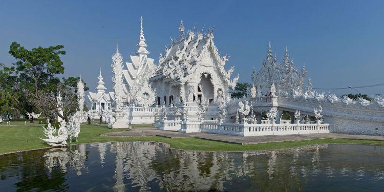 1600px-Wat_Rong_Khun_-_Chiang_Rai