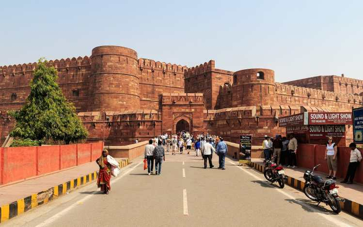 1920px-Agra_03-2016_10_Agra_Fort