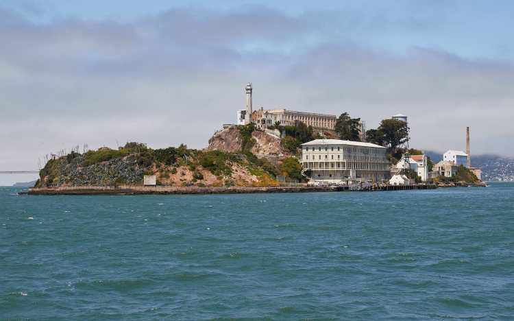 1920px-Alcatraz_Island_as_seen_from_the_East.jpg