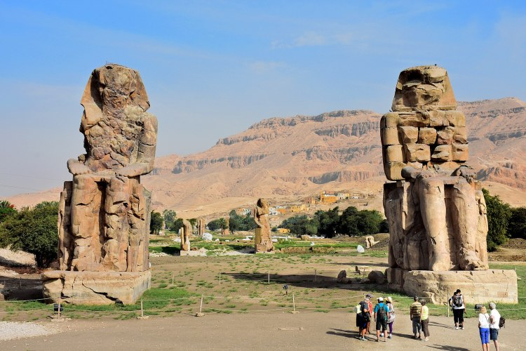 1920px-Colossi_of_Memnon_May_2015_2