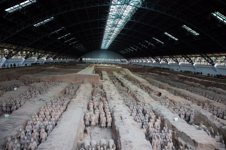 1920px-Terracotta_Army,_View_of_Pit_1