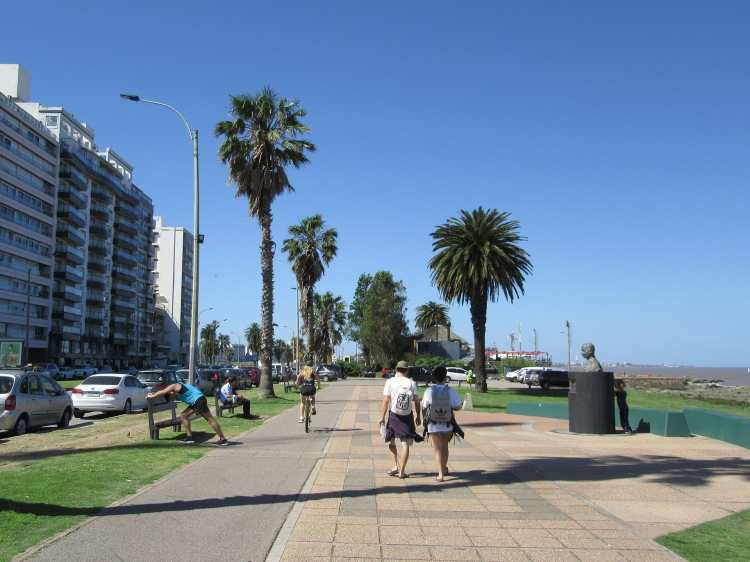 2016_Uruguay_Rambla_Gandhi_Montevideo.jpg
