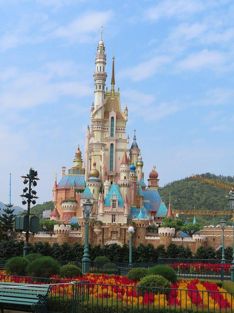 768px-20201019_Castle_of_Magical_Dreams