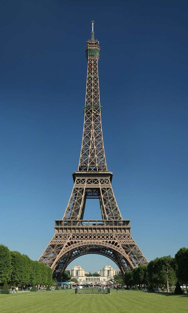 800px-Tour_Eiffel_Wikimedia_Commons_(cropped)