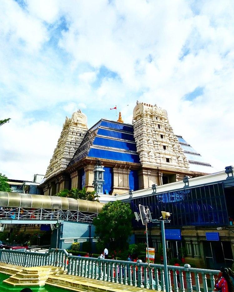 819px-ISKCON_Temple_Bangalore