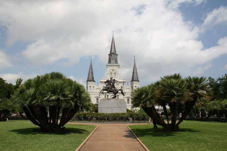 Andrew_Jackson_monument,_New_Orleans,_USA.jpg