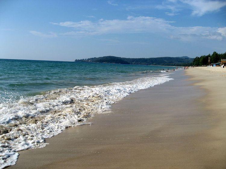 Bang_Tao_Beach_of_Sheraton_Grande_Laguna_Phuket_-_panoramio_(3)