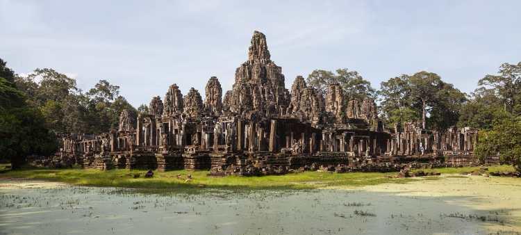 Bayon,_Angkor_Thom,_Camboya,_2013-08-17,_DD_37