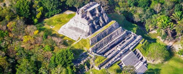 Belize-mayan-ruins-xunantunich-chaa-creek-7.jpg