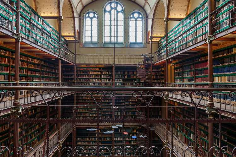 Bibliothek_im_Rijksmuseum_Amsterdam.jpg