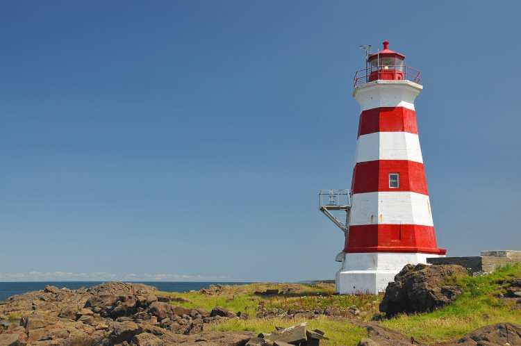 Brier_Island_Lighthouse_(1).jpg
