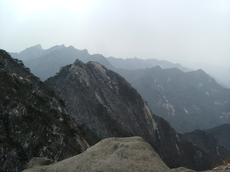 Bukhansan_National_Park_2006-03-28