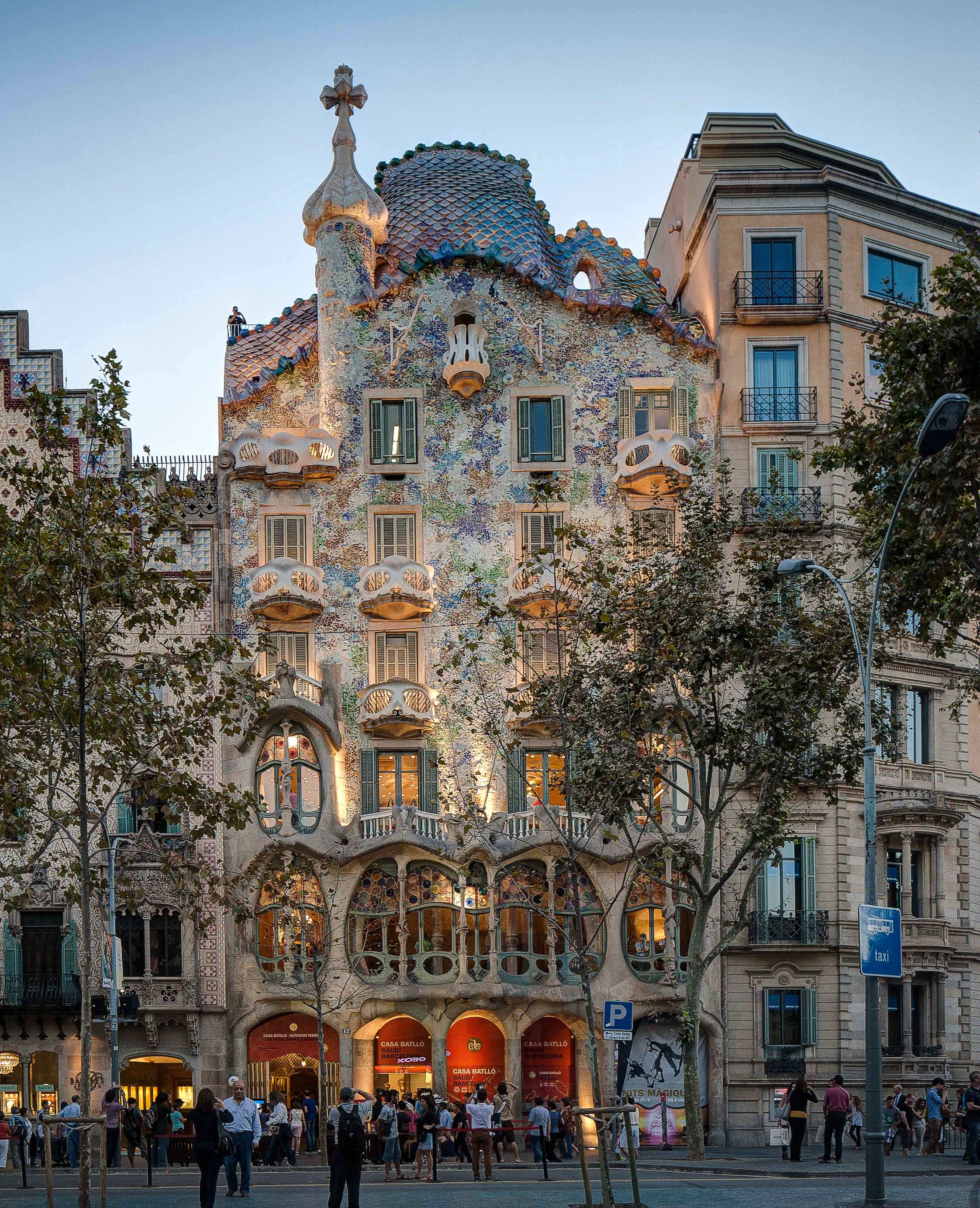 Casa_Batllo_Overview_Barcelona_Spain_cut