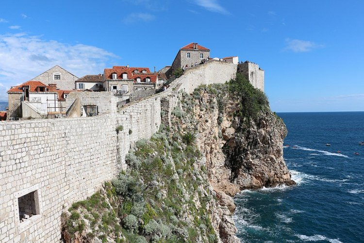 City_walls_of_Dubrovnik_01