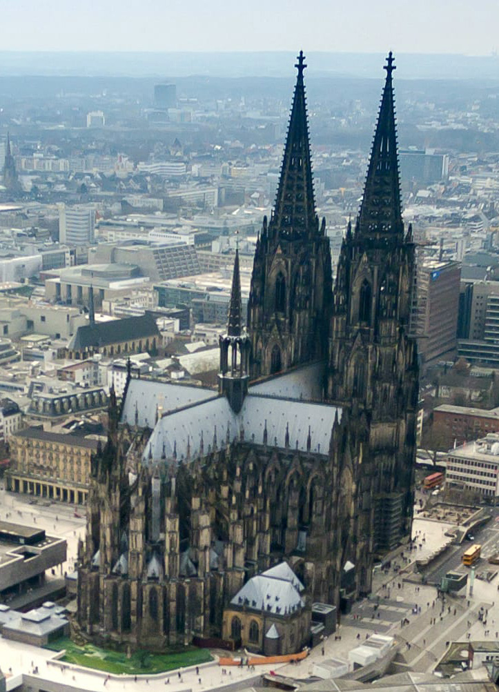 Cologne_cathedral_aerial_(25326253726)