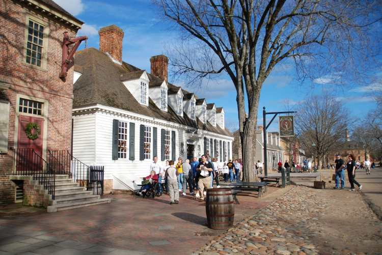 Colonial_Williamsburg_(3205781804).jpg