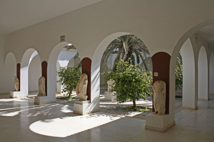 El_Jem_Museum_patio