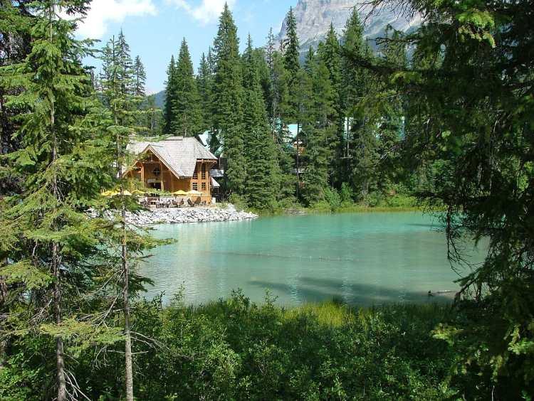 Emerald_lake.jpg