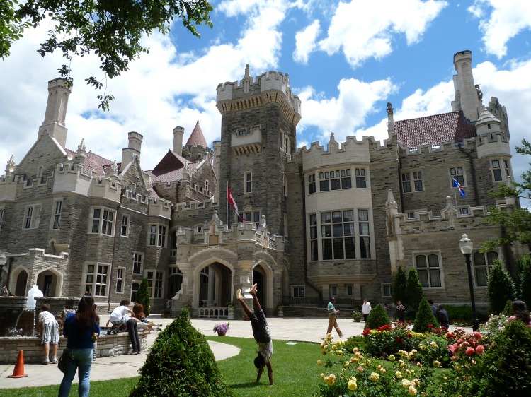 Exterior_of_Casa_Loma,_June_2012