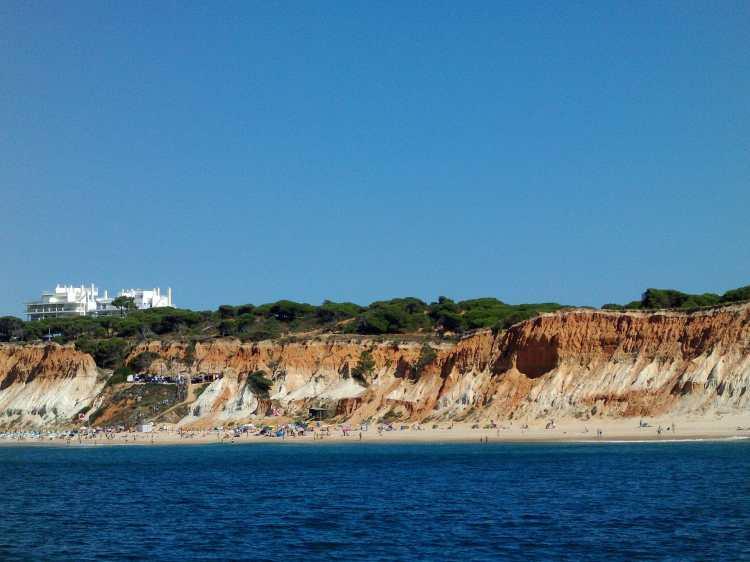 Falesia_Beach_seen_from_sea.JPG