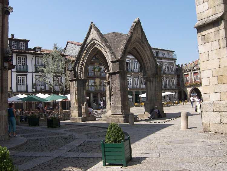 Guimarães-Altstadt-3.jpg