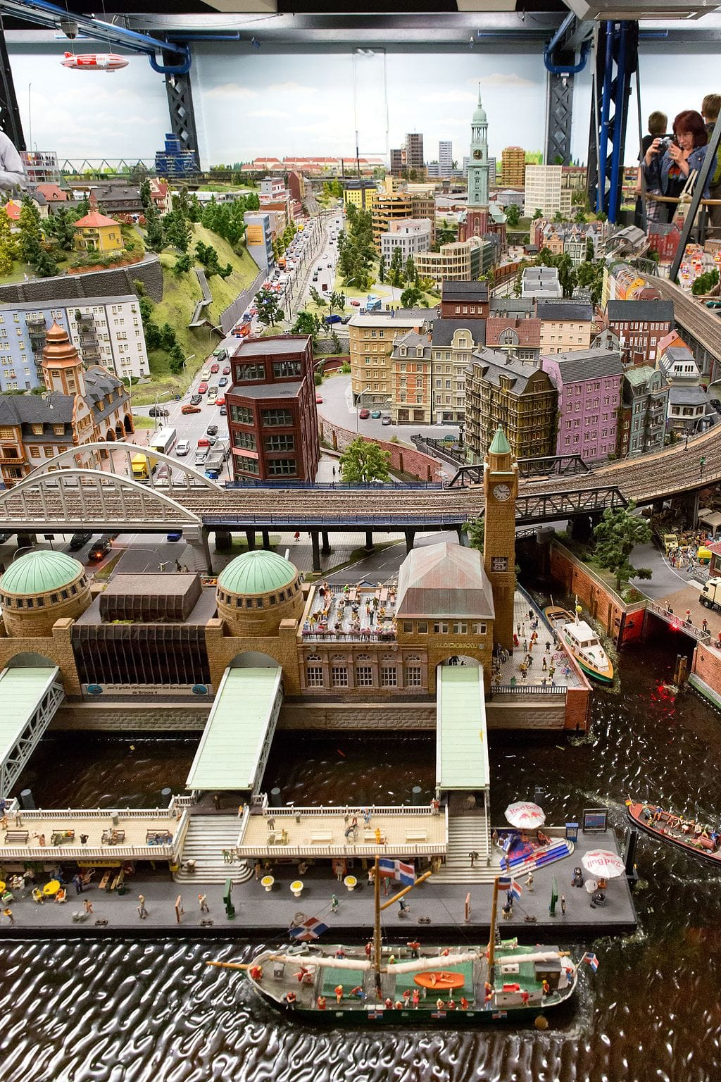 Hamburg_-_Miniatur_Wunderland_-_Hamburg_-_2016.jpg