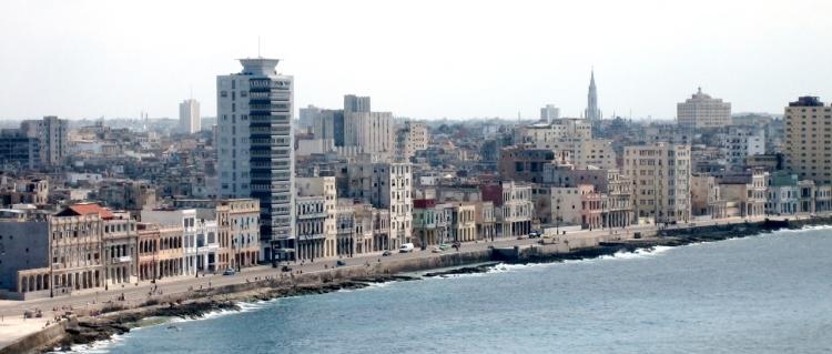 Havana_malecon_(cropped)