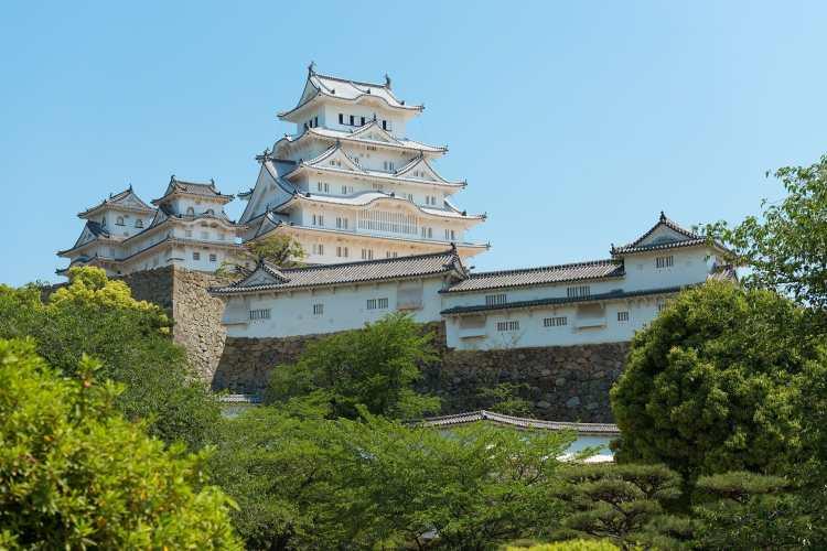 Himeji_castle_in_may_2015.jpg