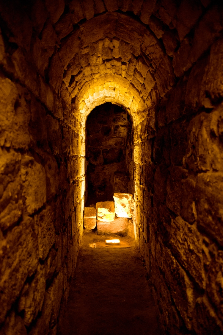 Light_at_the_end_of_the_Western_Wall_Tunnel