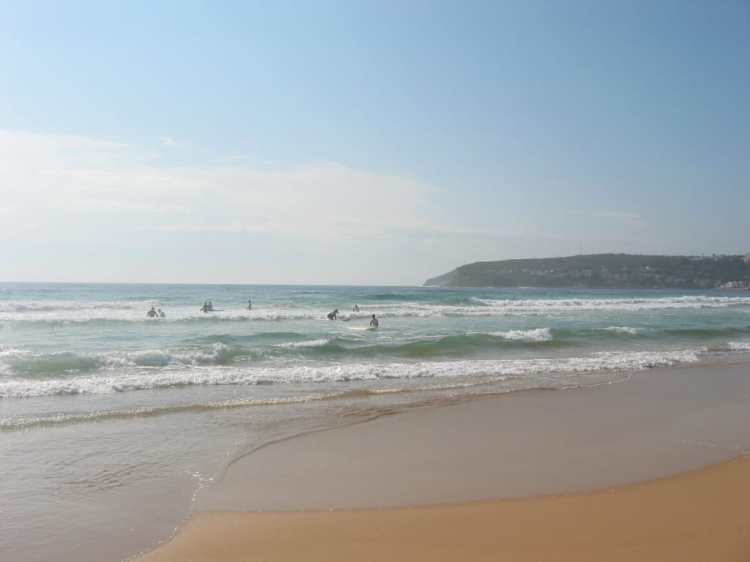 Manly_beach_looking_east.jpg