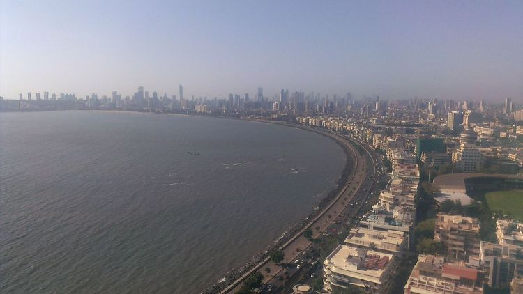 Marine_Drive,_Mumbai,_India