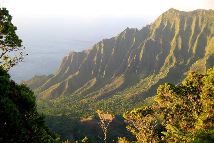 NaPali_overlook_Kalalau_Valley.jpg